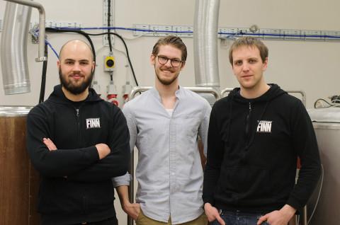 Grundarna till Brygghuset Finn. Från vänster: Simon Frennberg (bryggare), Joacim Larsen (vd), Petter Lindholm (marknadsansvarig)