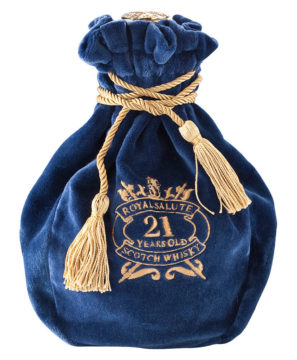 chivas-royal-salute-21yo-blended-scotch-whisky-700ml-sapphire-bag__93819.1451933826.1280.1280