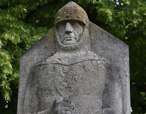 Valeir-Statue_500