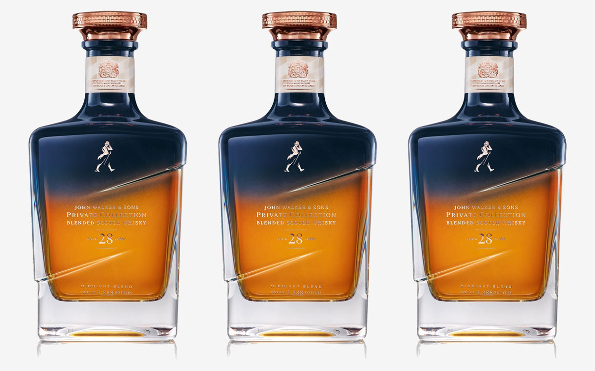 En triptyk av Johnnie Walkers Midnight blend. Tre flaskor 28-årig whisky.