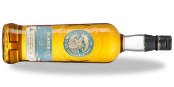 Inchmurran whisky 12yo, liggande med skugga.
