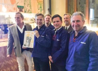 Representanter från Kyrkeby Bränneri samt prisutdelarna Steffo Thörnquist och Ernst Billgren