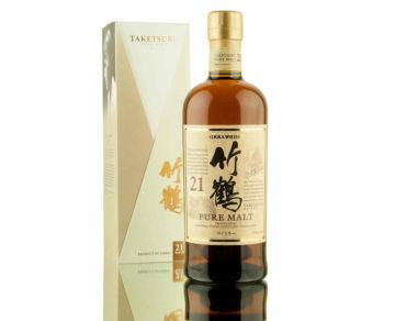 Gyllene lyser etiketten på Taketsuru 21yo. Flaska och kartong, so long.