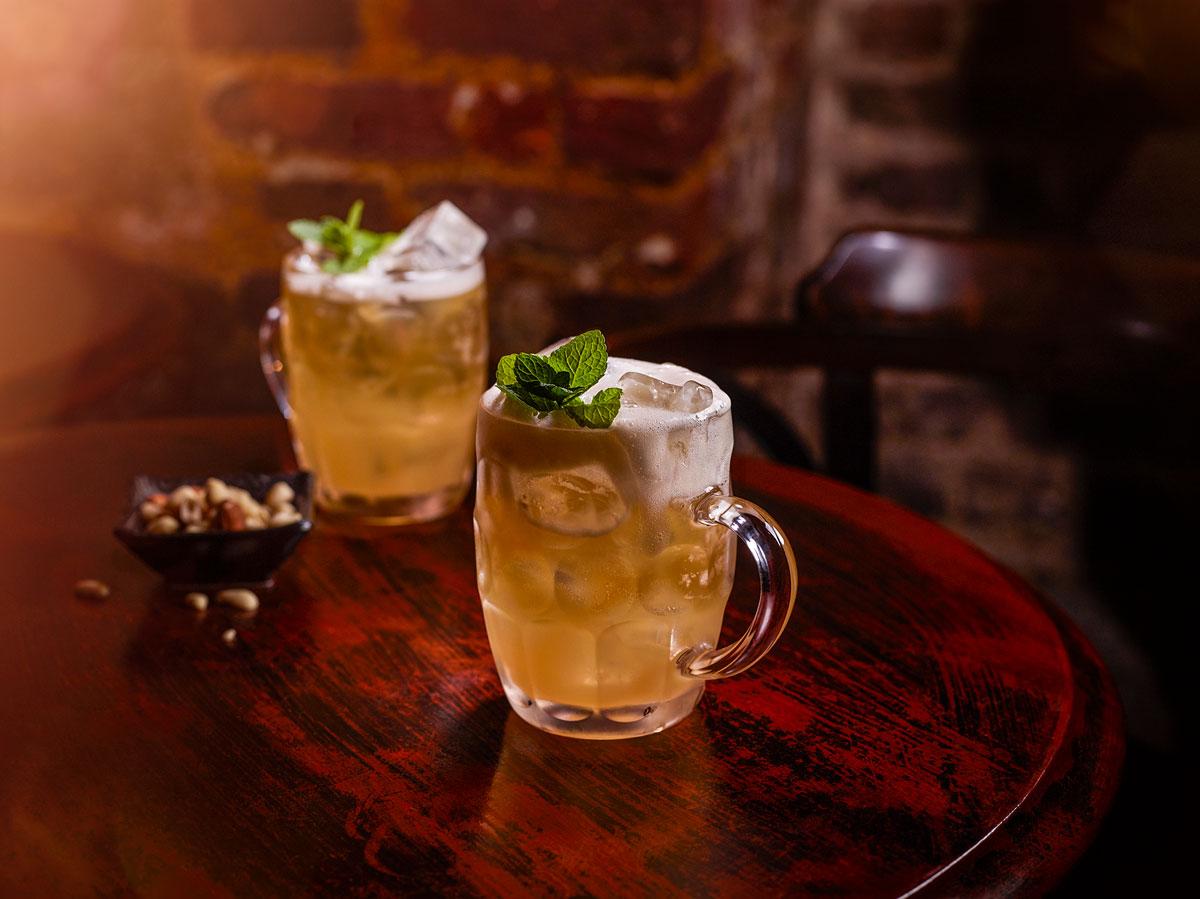 Drinken Hootenanny i sejdelglas